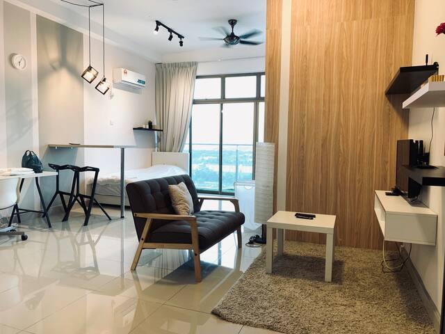 Jk home@1-4pax WiFi cozy studio mount austin 新山