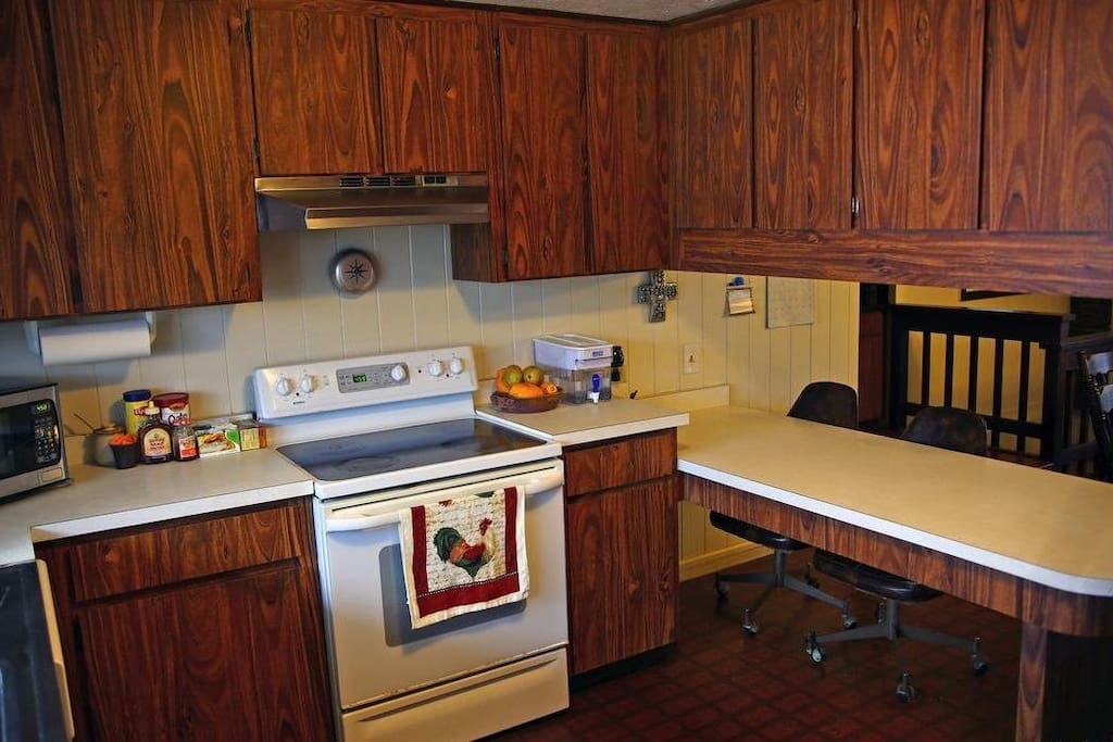 Fully equipped kitchen for guests