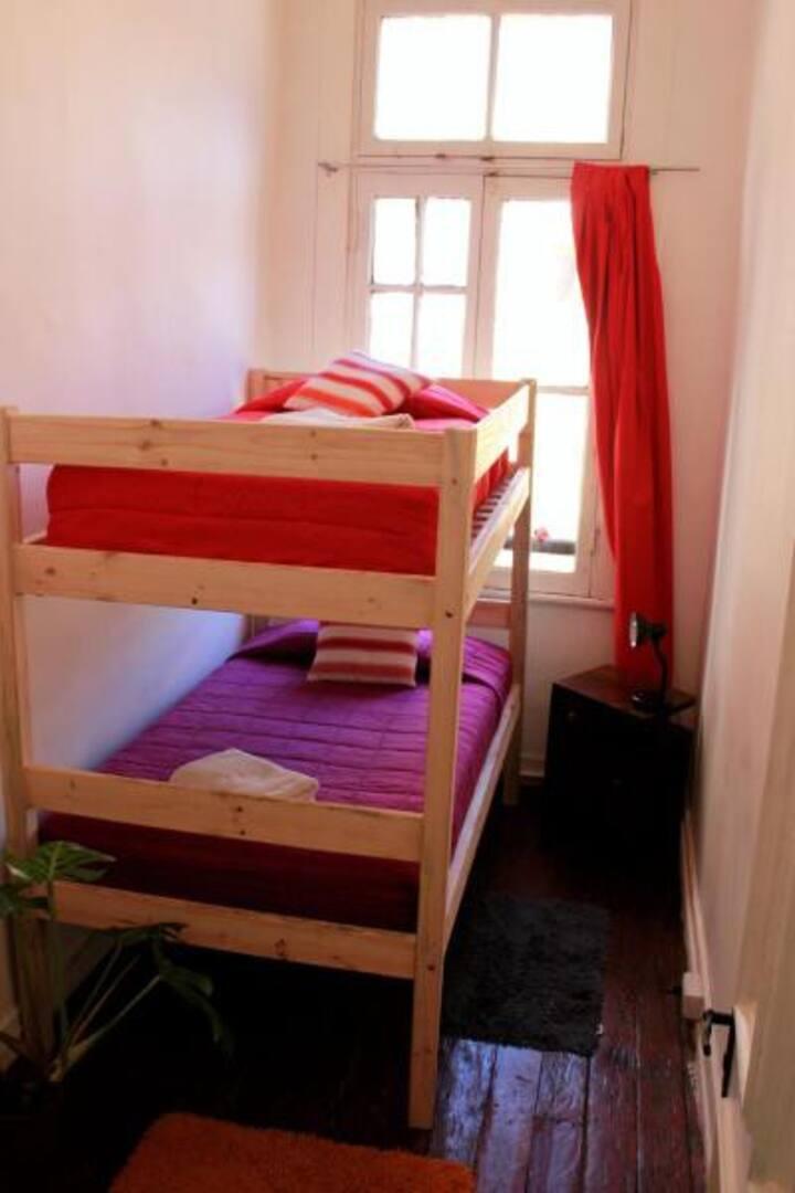 Confortable Budget Single Room in Cerro Concepción