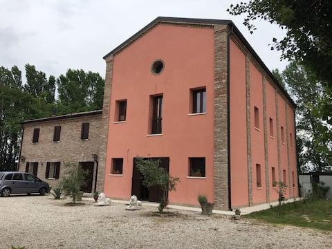 Casa Madonna Boschi camera dei Fiori