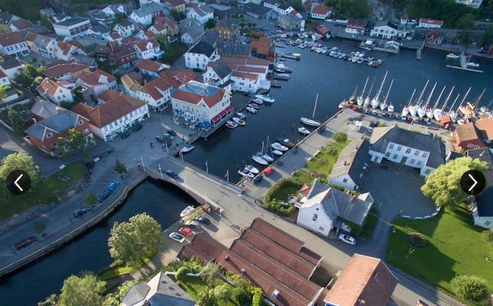 Cort Adeler, 10m fra Brevik indre havn.