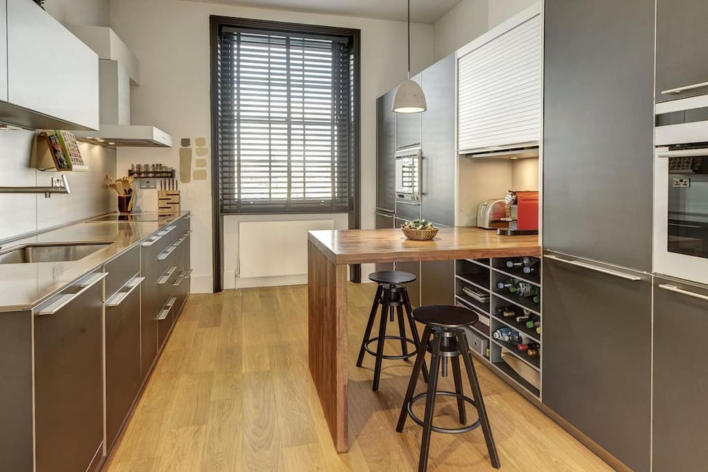 Balthaup kitchen with Siemens and Gaggenau appliances and oven