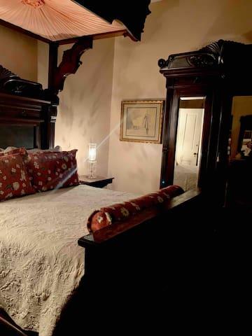 Downstairs #2bedroom-Queen Teester bed