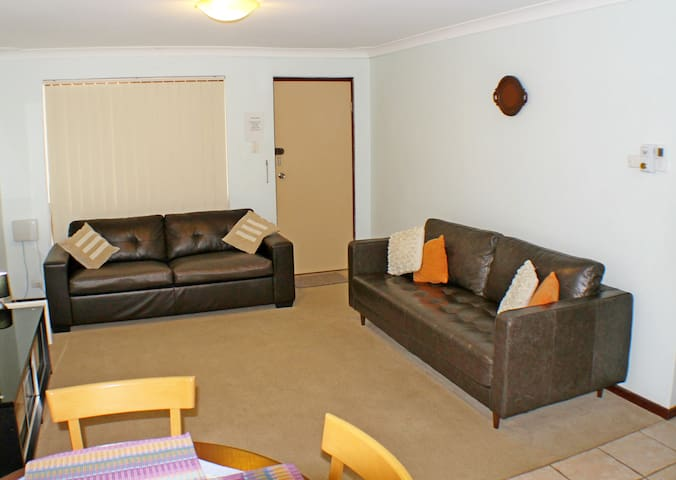 Geraldton Holiday Unit with free Internet Movies