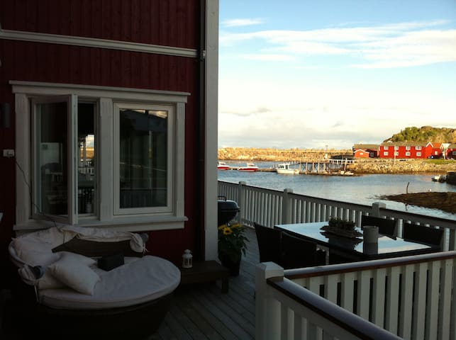 Lofoten's most stunning airbnb property by the sea - Kabelvåg