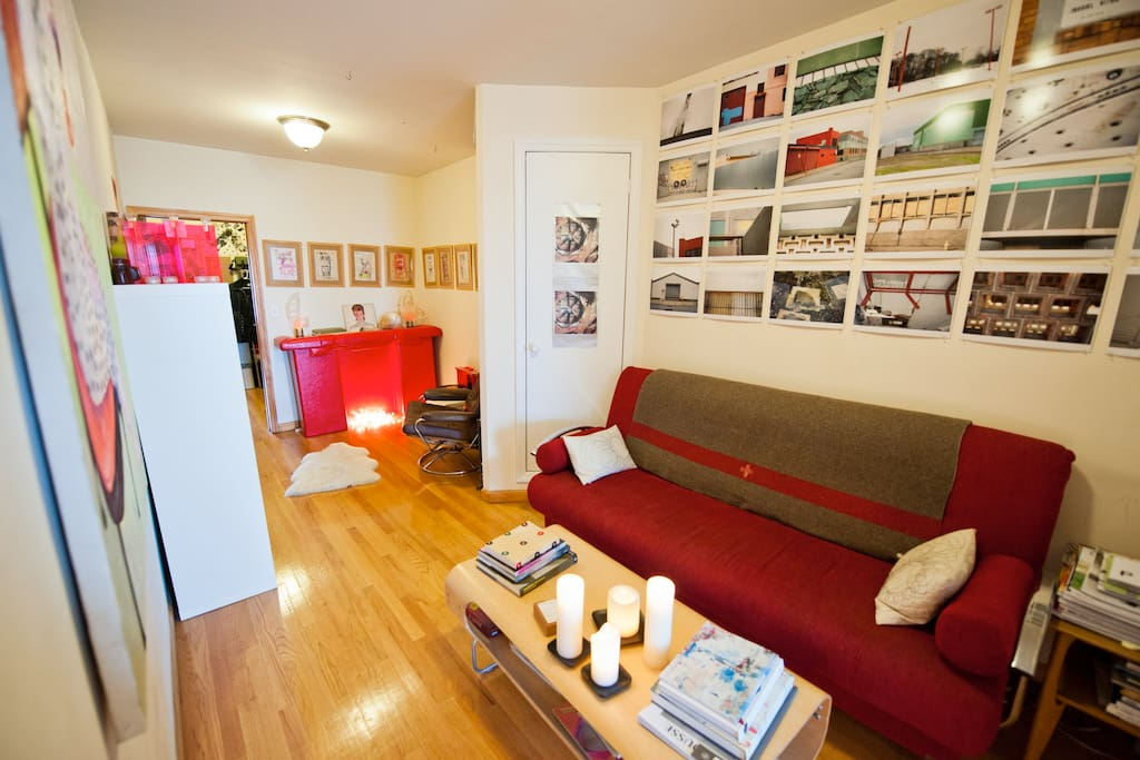 Living room with pull out futon, sleeps 2