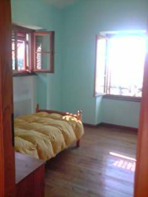 camera singola secondo piano