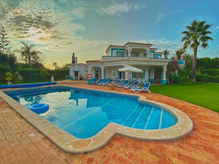 *5 Star Luxury Mansion* | sea-view | pool & chef