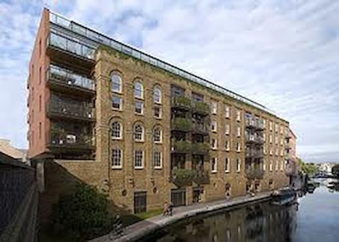Hotel-style room in Camden Town