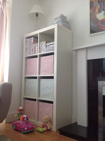 Newly refurbished bright clean house - Carryduff - 一軒家