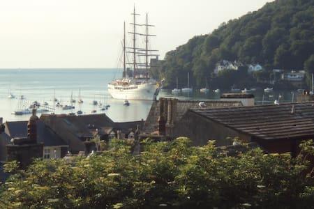 Victorian Town House - Superb views - Dartmouth