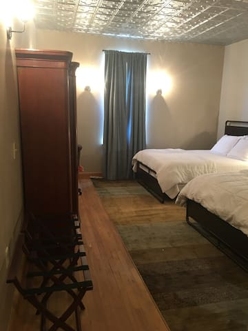 Stateline Stay3: super-clean, renovated hotel room