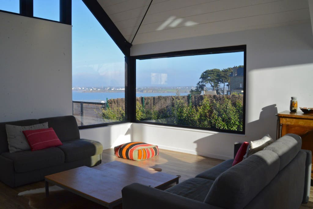 maison d 39 architecte vue pleine mer houses for rent in saint jacut de la mer brittany france. Black Bedroom Furniture Sets. Home Design Ideas