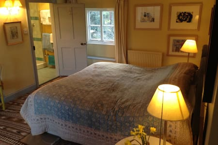 North Norfolk B&B. 1 of 2 rooms. - Norfolk