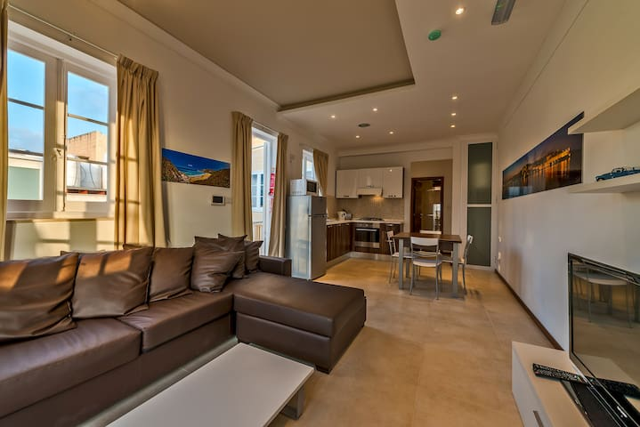 Valletta 2double bedroom apartment with views - Valletta - Byt