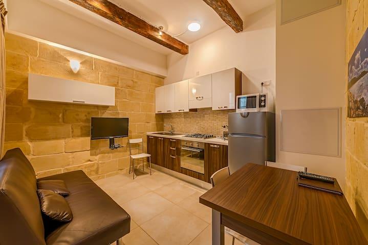 VallettaMerisiSuites Compact ONEBedroom Apartment
