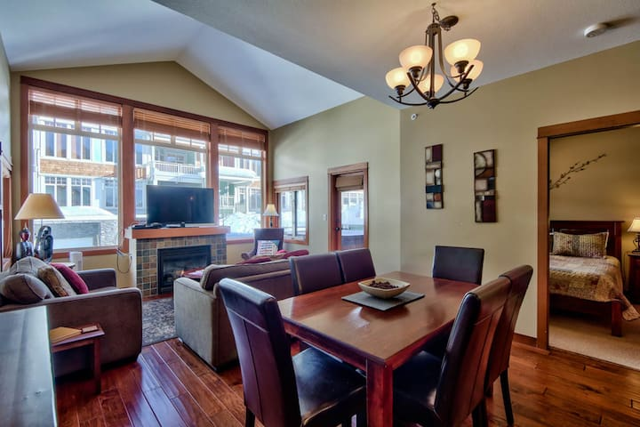 Sun Peaks ski in/out condo with private hot tub