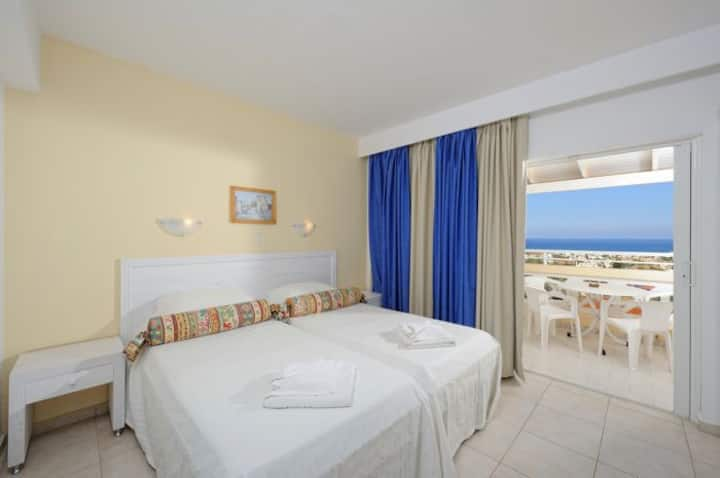 Mare Monte - Family Two Bedroom Suite