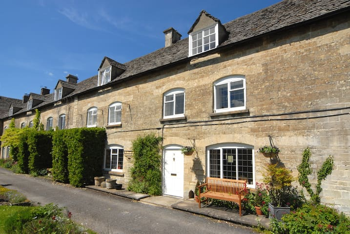 Cotswolds charming two-bed cottage - Stroud - Casa
