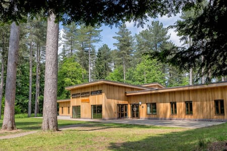 Woodland Lodge Sleeps 46 - Chatka