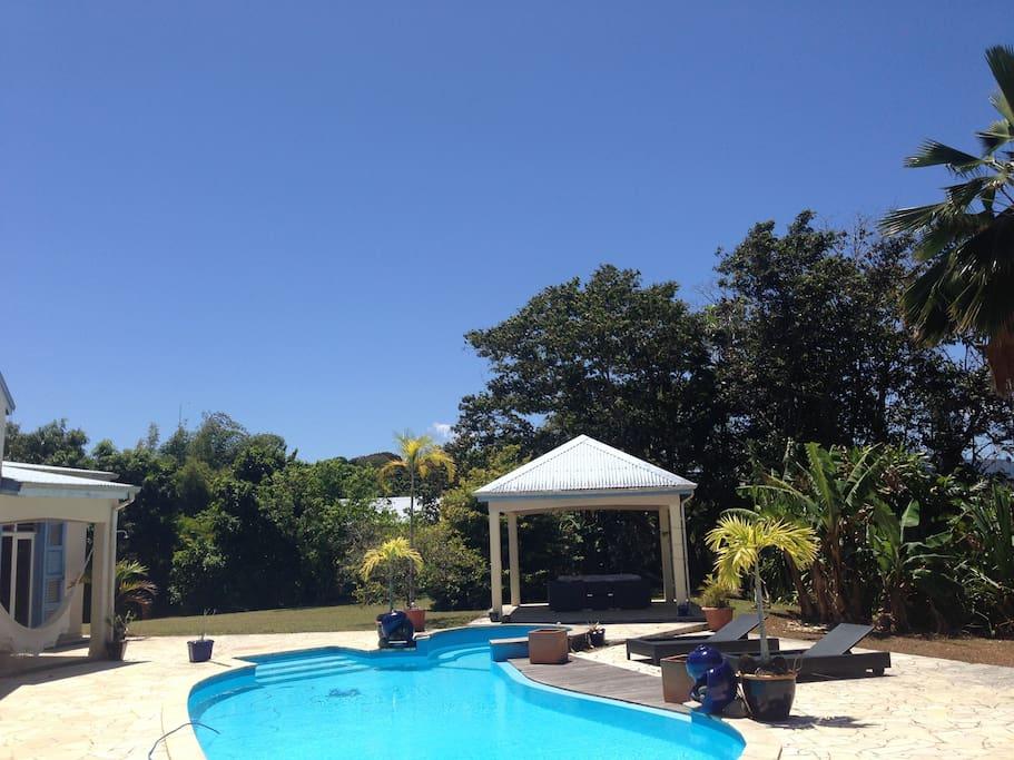 ☼ Maison avec piscine/Jacuzzi et son carbet a votre disposition ☼ (hamac,transat)