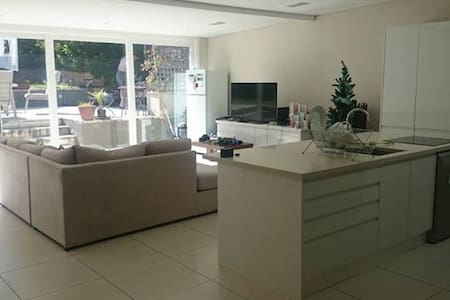 Large super king bed in large house - Randwick