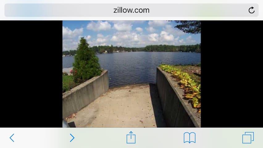 "Lake front home, ""YLFNOGARD"" enjoy - Coventry - Maison"