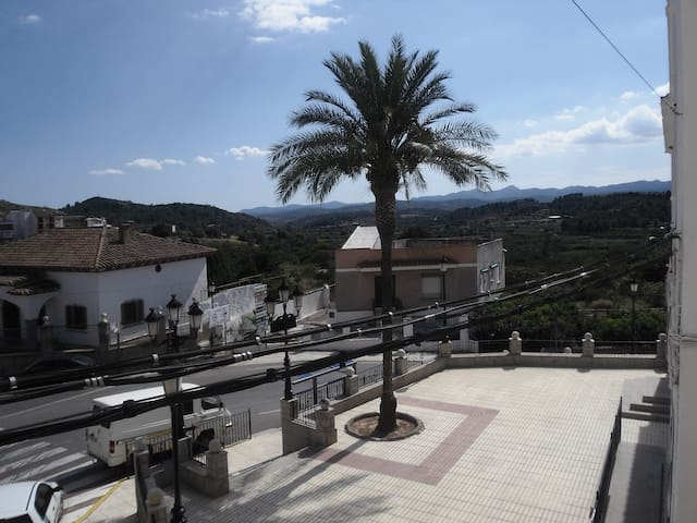 Private rural apartment with amazing views - Castellnovo - Apartamento