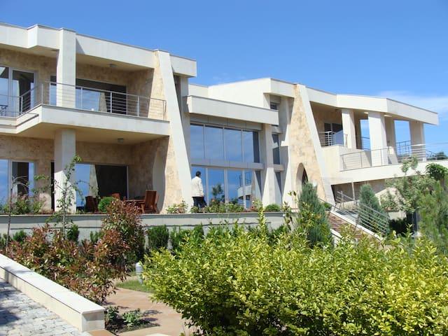 Designer sea view house Sozopol ! - Sozopol - Huis