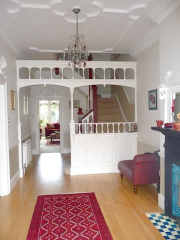 Edwardian home, 3 bed private annex - London - Bed & Breakfast
