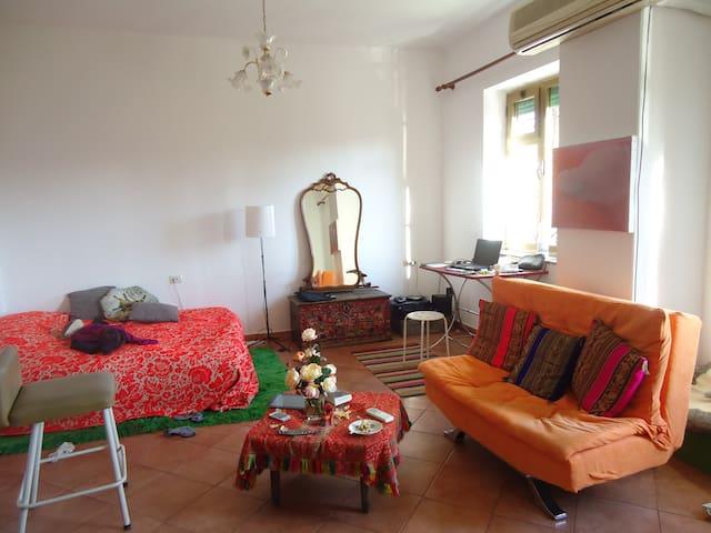 The Shallvare Residence