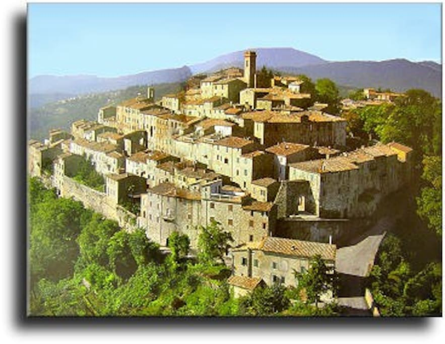 Charming house in medieval village splendid view houses for Toscana house
