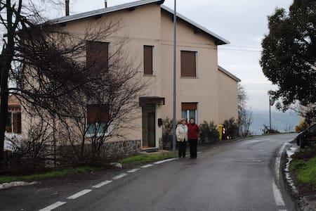 Accogliente casa in collina  - Salsomaggiore Terme - Haus