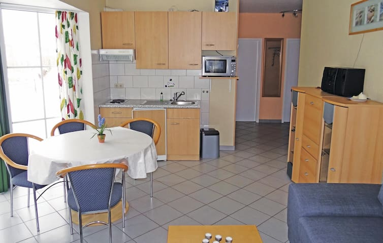 Holiday apartment with 2 bedrooms on 50 m² DMK297