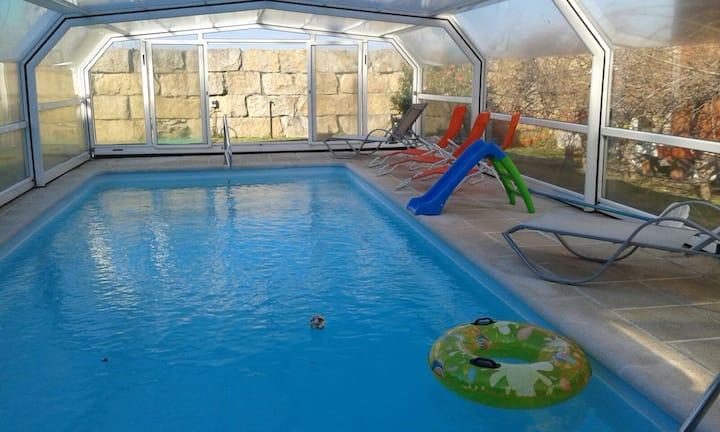 """Vivienda con piscina  """"Area de Reboredo"""". 3 hab."""