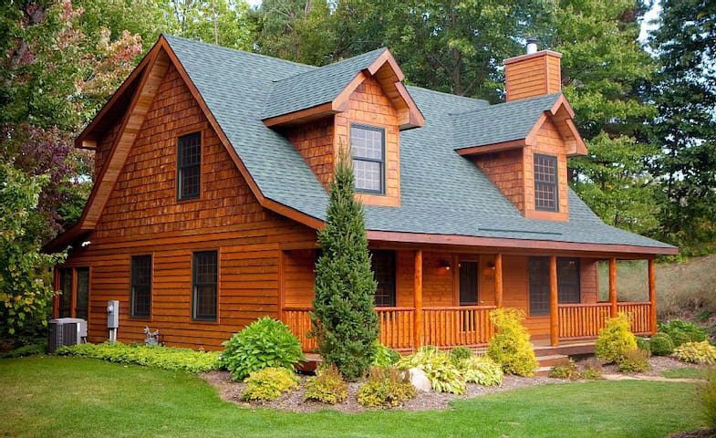 Luxury Cabin Retreat for Families or a Get Away - Saugatuck