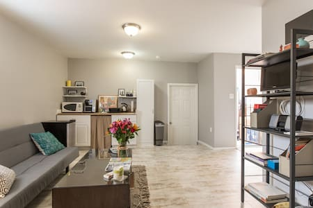 Private West Adams Studio - Single Occupancy only - Los Angeles - Apartment