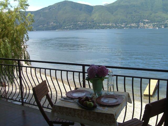 Terrace on Lago Maggiore! - Porto Valtravaglia - 公寓