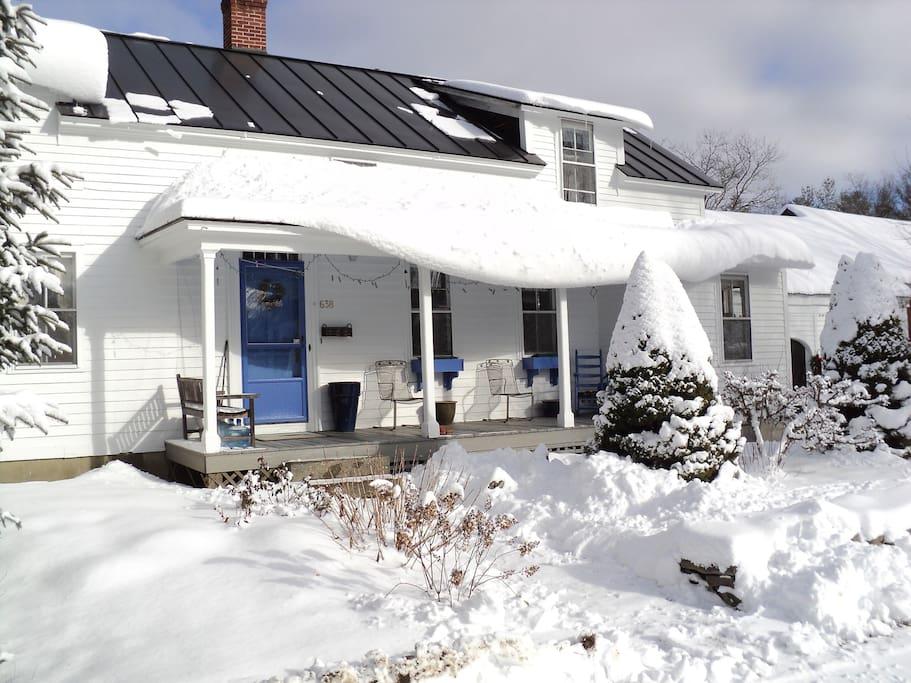 Come ski Vermont! ~ Only 25 minutes to Stratton Mountain or Mount Snow according to Google Maps!!