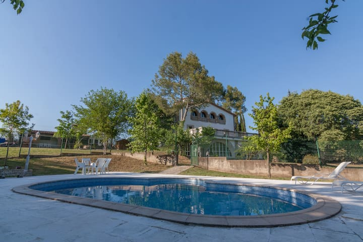 Casa Aislada Garrotxa by Somrurals - Sales de Llierca - Hus