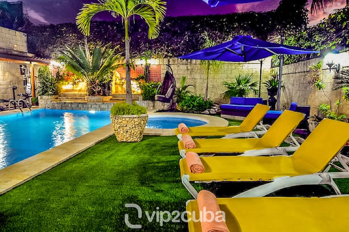 VIP Luxury 5BR Villa with Pool in Siboney