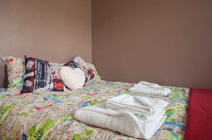Find your way around London with this duvet map cover