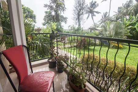 Naturally well-lit ground-floor apartment - North Goa