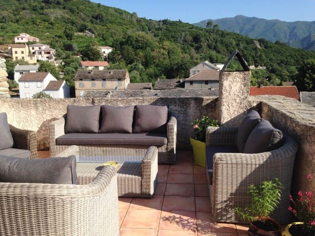 Traditional house w/ gorgeous views - Pietra-di-Verde - 一軒家