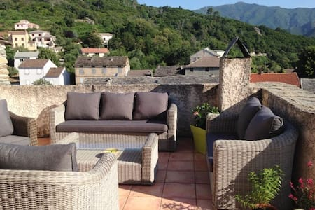 Traditional house w/ gorgeous views - Pietra-di-Verde - Дом