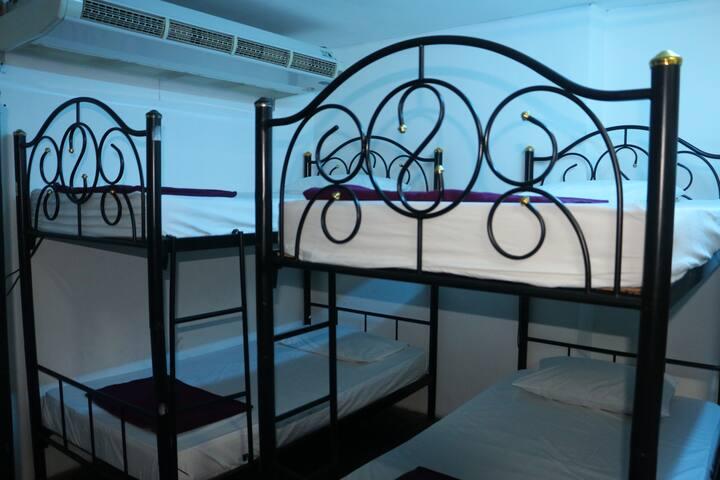 16 Beds Dorm at Haad Rin Beach B14 @FULL MOON
