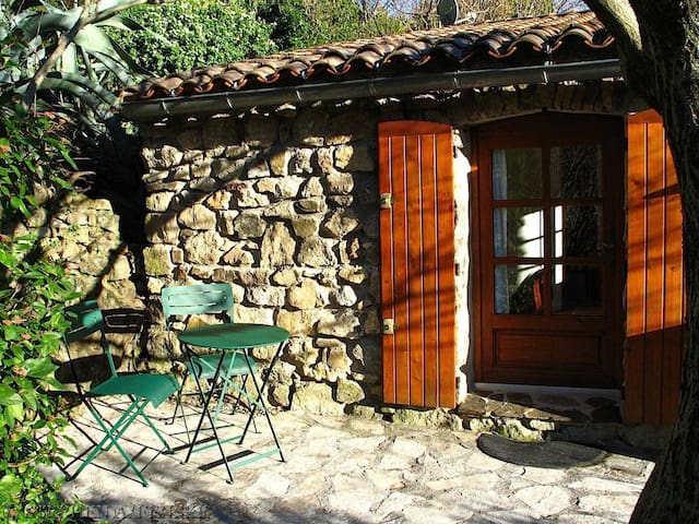 Charming cottage in the Cévennes for 2 people - Arphy - Hospedaria