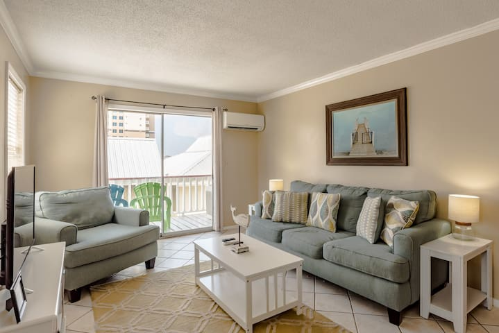 Affordable, comfy, close to the beach (Unit 3)