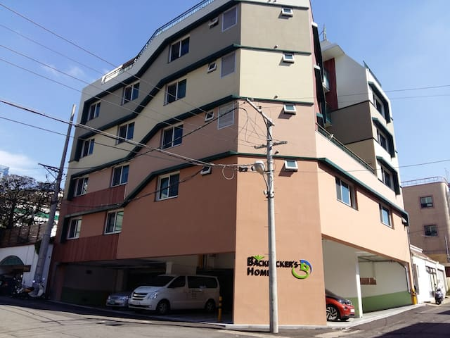 Female only-4people dormitory