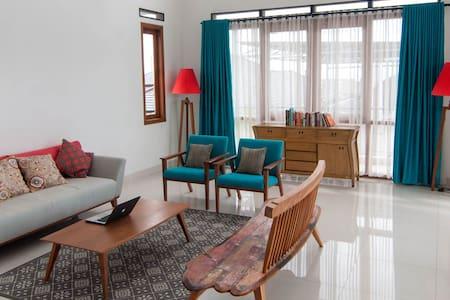 Cozy Room at Rumah Krisan (Room 2) - Parongpong